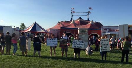 Carson & Barnes circus protest